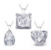 תליון יהלומים משובץ יהלומים בצורות שונות