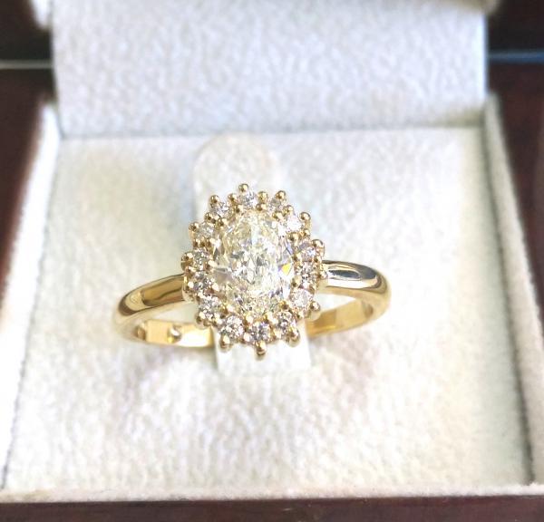 טבעת אירוסין  יהלום אובל - עיצובים של דיימונד ספינקס